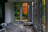 旧華頂宮邸 館内からの冬紅葉
