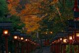 貴船神社 紅葉と南参道燈籠灯り
