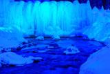 層雲峡氷瀑と石狩川