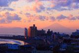 片瀬海岸と富士山