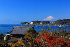 光明寺と富士山