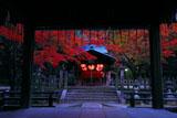 京都吉田神社 紅葉の稲荷社拝殿から