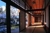 雪の仁和寺黒書院