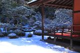 曼殊院 雪化粧庭園と大書院縁側