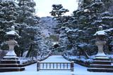 大谷祖廟 雪化粧の参道
