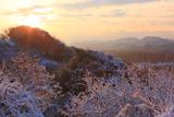 雪景色のパノラマ台からの朝陽