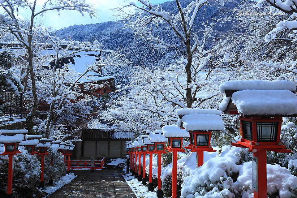 Image result for 鞍馬寺 雪