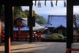 建勲神社 拝殿越しの雪化粧した社殿