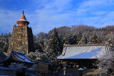 妙満寺 雪化粧の本堂と仏舎利塔
