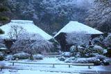 明王院 雪化粧の本堂と客殿