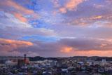 金沢薬王寺 墓苑から夕焼け空の金沢
