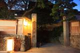 江の島灯籠の岩本楼