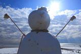 由比ヶ浜 巨大雪だるま出現!
