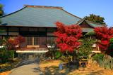 神應寺 紅葉と本堂