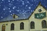 雪降る江ノ電鎌倉駅