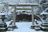 雪降る白旗神社