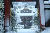 常栄寺 山門越しの雪景色