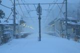暴風雪の北鎌倉駅