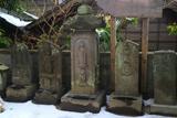 五所神社 石像庚申塔と残雪