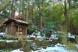 斑雪の熊野神社末社