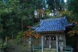 鎌倉台上町 雑木紅葉の稲荷神社