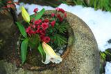 錦天満宮 正月花と残雪